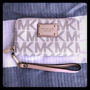 Gently used Michael Kors Wallet/Wristlet